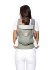 ergobaby-mochila-portabebes-adapt-cool-air-mesh-posicion-en-la-espalda.jpg