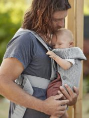 babybjorn-mochila-porta-bebe-mini-gris-3d-mesh-021018-003